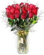 27 adet vazo içerisinde kırmızı gül  Yozgat İnternetten çiçek siparişi