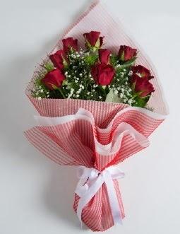 9 adet kırmızı gülden buket  Yozgat çiçek satışı