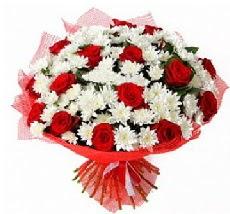 11 adet kırmızı gül ve 1 demet krizantem  Yozgat çiçek mağazası , çiçekçi adresleri