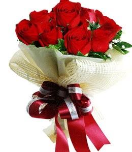 9 adet kırmızı gülden buket tanzimi  Yozgat çiçek gönderme sitemiz güvenlidir