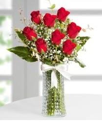7 Adet vazoda kırmızı gül sevgiliye özel  Yozgat çiçek siparişi sitesi