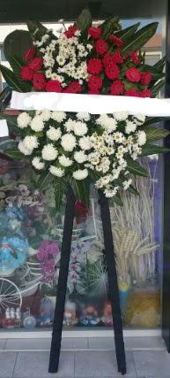 Cenaze çiçeği cenaze çiçek modelleri  Yozgat çiçek siparişi sitesi