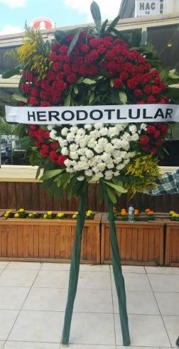 Cenaze çelengi cenazeye çiçek modeli  Yozgat çiçek satışı