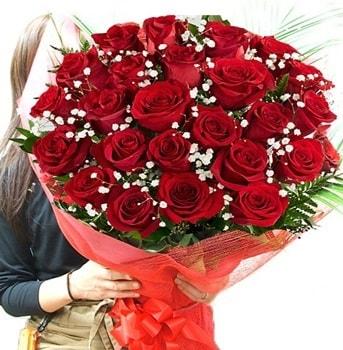 Kız isteme çiçeği buketi 33 adet kırmızı gül  Yozgat çiçek gönderme sitemiz güvenlidir