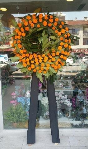 Cenaze çiçeği cenaze çelengi çiçek modeli  Yozgat çiçek gönderme