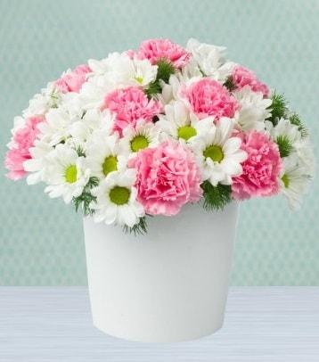 Seramik vazoda papatya ve kır çiçekleri  Yozgat çiçek siparişi sitesi