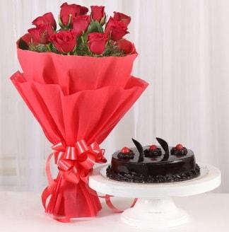 10 Adet kırmızı gül ve 4 kişilik yaş pasta  Yozgat internetten çiçek satışı