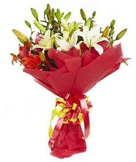5 dal kazanlanka lilyum buketi  Yozgat çiçek gönderme sitemiz güvenlidir