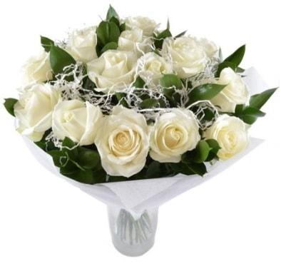 15 beyaz gül buketi sade aşk  Yozgat çiçek satışı
